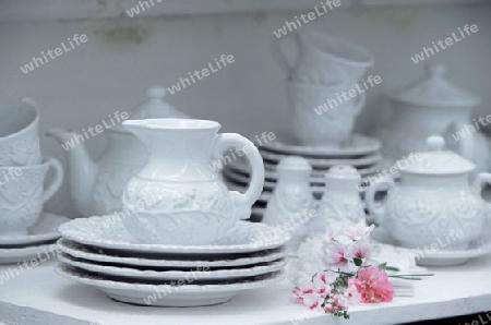 lifestyle geschirr porzellan keramik service weiss landhaus tasse kanne deko. Black Bedroom Furniture Sets. Home Design Ideas